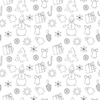 Modello senza cuciture di natale, illustrazione vettoriale, confezione regalo, fiocco di neve, albero di natale, agrifoglio, bastoncino di zucchero, biscotto, cono, pupazzo di neve, fetta di mandarino, disegno a mano