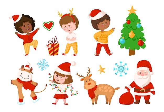 Set di natale: ragazzo e ragazza dei cartoni animati, albero di natale, confezione regalo, renne, babbo natale