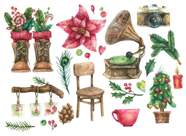Set vintage natalizio di sedia in legno, giradischi, albero di natale decorato, scarpe marroni, cinepresa, grande fiore rosso