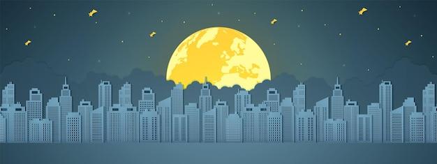 Paesaggio urbano di notte, edificio con luna piena, stelle e nuvole, stile arte cartacea