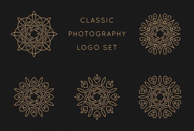 Modello di progettazione scenica logo classico Vettore Premium