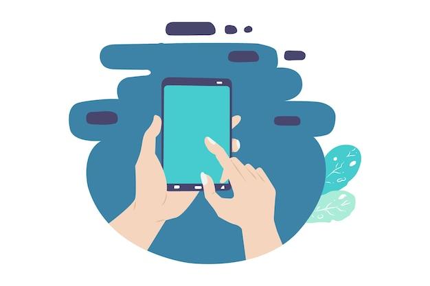 Chiudi una mano che digita sul cellulare