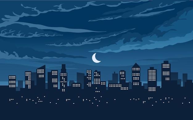 Scena notturna nuvolosa in città con edifici e luna