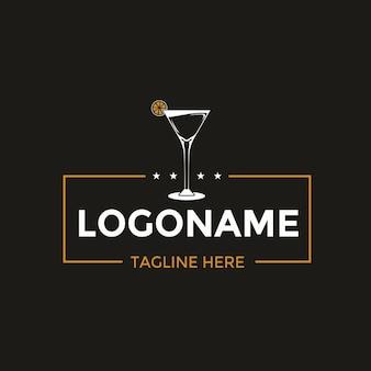 Design logo bicchiere da cocktail