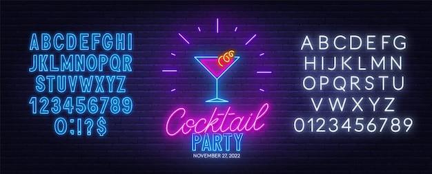 Insegna al neon del cocktail party sulla priorità bassa del muro di mattoni.