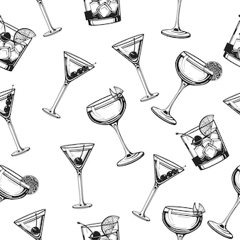 Illustrazione disegnata a mano dell'incisione di vetro alcolico del modello senza cuciture dei cocktail
