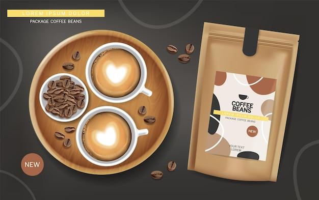 Chicchi di caffè in un vettore di borsa realistico. posizionamento del prodotto, vista dall'alto della schiuma della tazza di caffè
