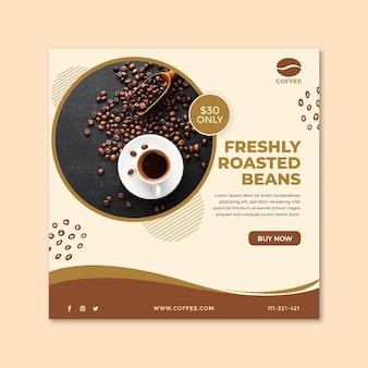 Volantino quadrato tazza di caffè e fagioli