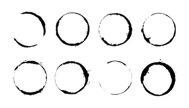 Set di anelli per macchie di caffè. illustrazione vettoriale. timbro per bevande con forma rotonda ed elemento splash. effetto cerchio inferiore della tazza da caffè.