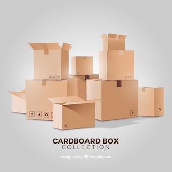 Collezione di scatole di cartone in stile realistico