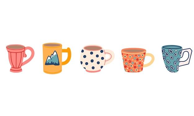 Raccolta delle tazze isolate isolate su bianco. illustrazione in stile doodle.