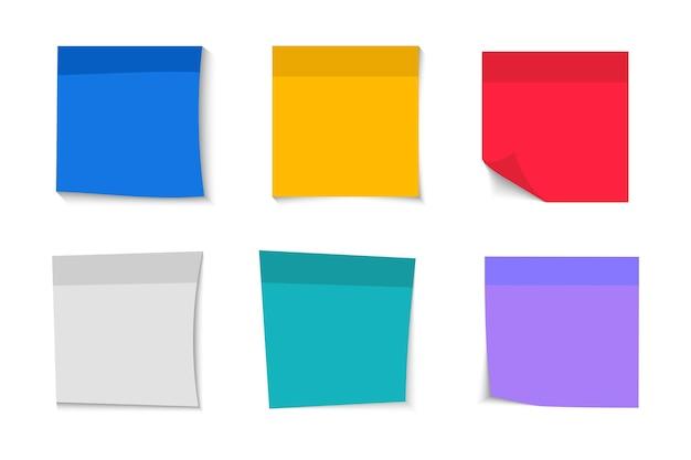 Raccolta di diversi adesivi vuoti. adesivi per appunti. nastri adesivi con spazio per testo o messaggio. diversi fogli di carta per appunti con angolo arricciato. nota di carta adesiva con nastro adesivo e ombra