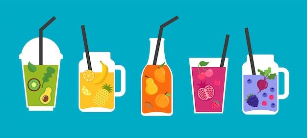 Raccolta di diversi frullati colorati, frullati di frutta in bottiglie, vetro, barattoli di vetro