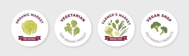 Raccolta di etichette rotonde, etichette o modelli di adesivi con verdure verdi, foglie di insalata fresca ed erbe aromatiche su bianco