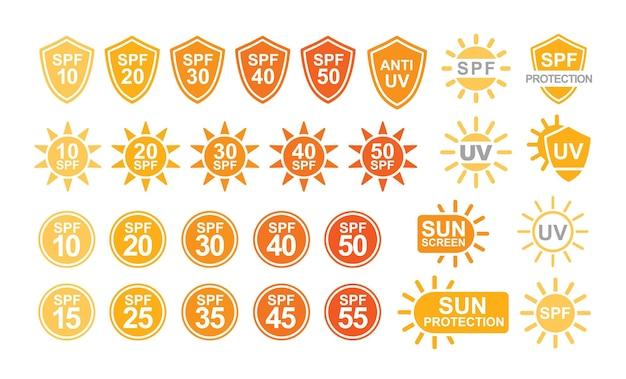 Raccolta di etichette o segni di protezione solare spf e uv isolati su sfondo bianco. illustrazione vettoriale creativa colorata in semplice stile piatto per prodotti per la protezione solare e abbronzatura o cosmetici per la pelle