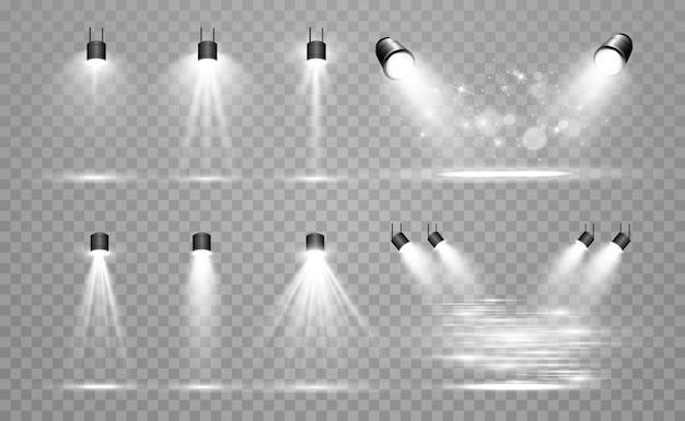 Collezione di luci di scena, passerella o piattaforma, effetti trasparenti. illuminazione brillante con faretti. effetto luce. proiettore.