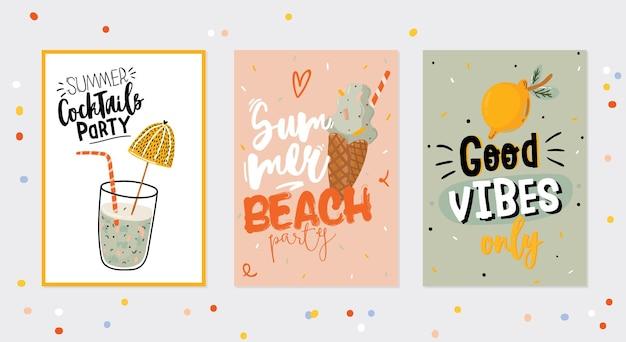 Raccolta di stampe estive con elementi di vacanza carini e scritte su sfondo colorato. stile alla moda disegnato a mano.