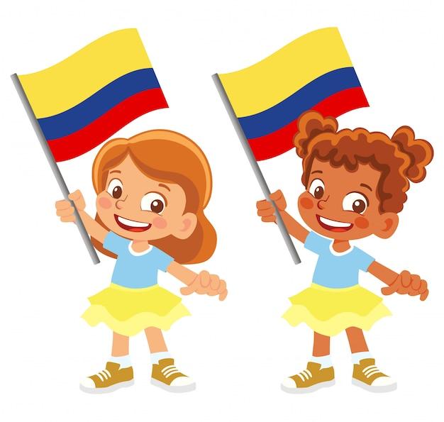 Bandiera della colombia in mano insieme
