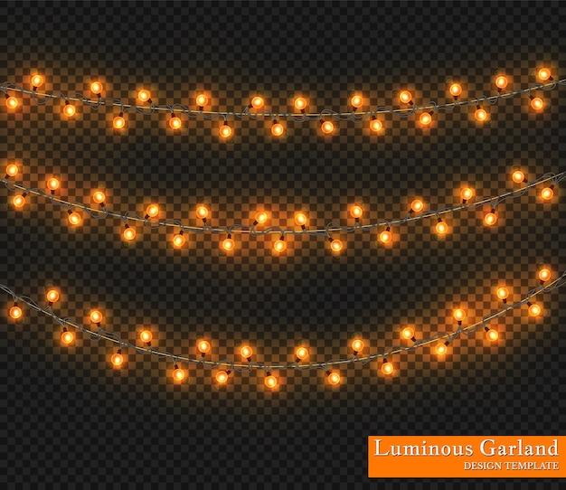Ghirlanda di colori, decorazioni festive. incandescente luci di natale isolato su sfondo trasparente.