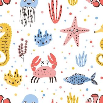 Modello senza cuciture colorato con animali di mare e oceano felici su bianco