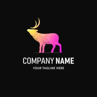 Cervo colorato logo design. logo animale stile sfumato