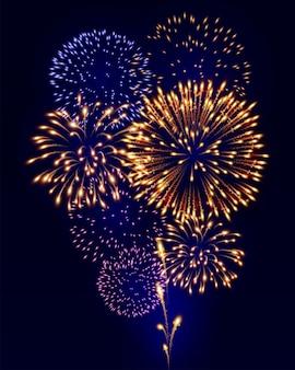 Fuochi d'artificio colorati su sfondo blu scuro