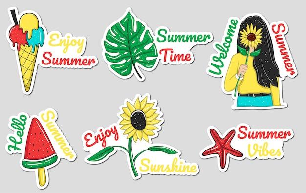 Collezione di adesivi per elementi estivi colorati disegnati a mano