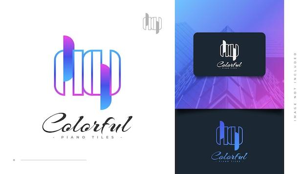Piastrelle per pianoforte colorate logo design. logo dei tasti del pianoforte per l'industria musicale o dell'intrattenimento
