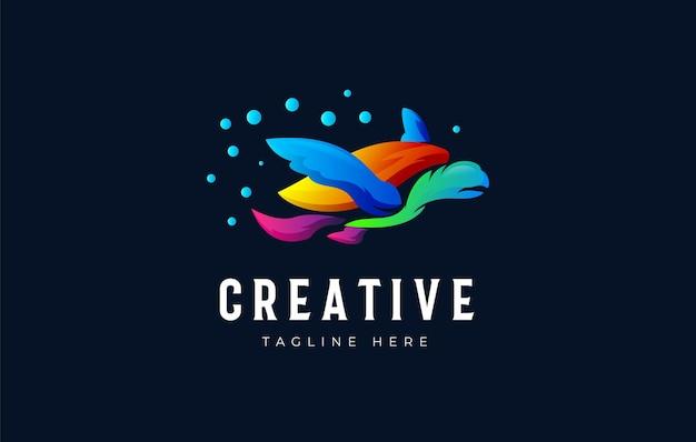 Modello di progettazione del logo sfumato colorato tartaruga marina