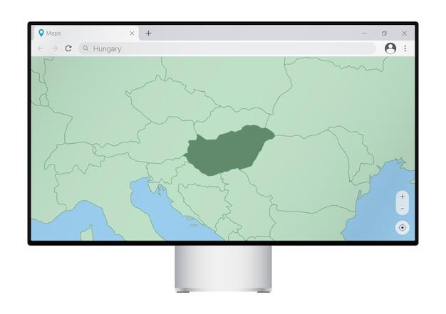 Monitor del computer con mappa dell'ungheria nel browser, cercare il paese dell'ungheria sul programma di mappatura web.