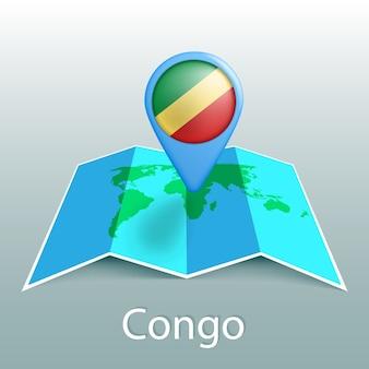 Mappa del mondo di bandiera congo nel pin con il nome del paese su sfondo grigio