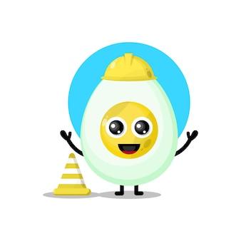 Mascotte simpatico personaggio uovo operaio edile