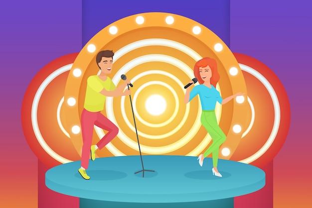 Cantanti di coppia, uomo e donna che cantano canzoni karaoke in piedi sul palco moderno cerchio.