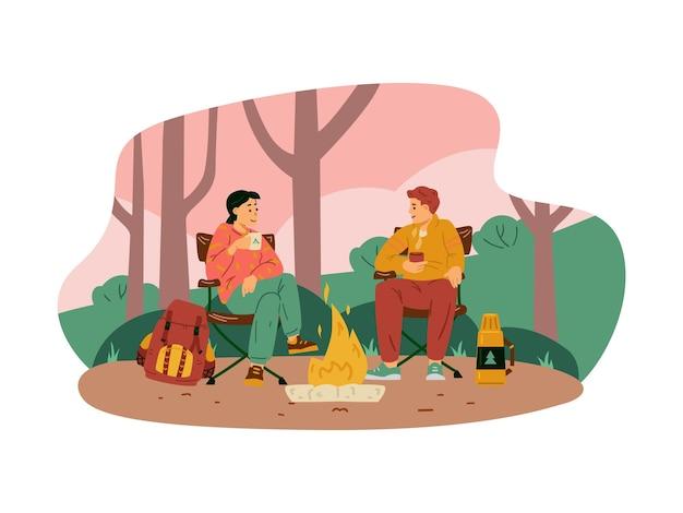 Coppia seduta accanto al fuoco nell'illustrazione piatta di vettore del campeggio della foresta isolata