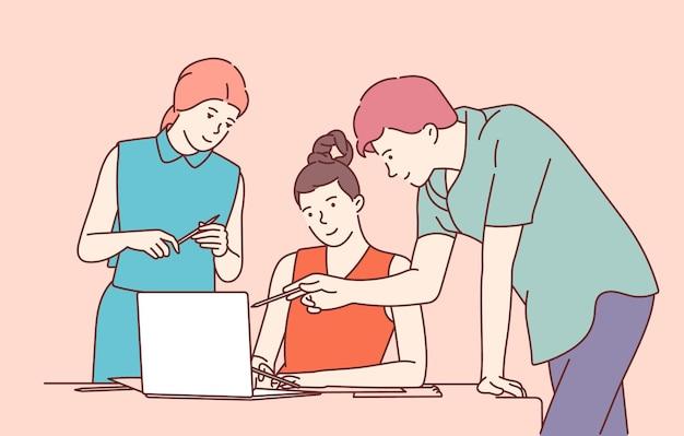 Coworking, team, formazione, discussione. squadra di uomini e donne partner colleghi
