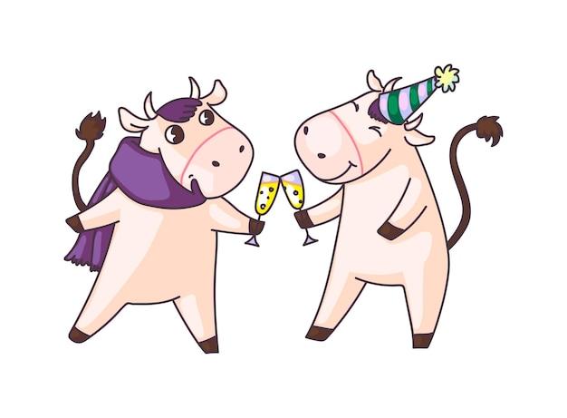 Mucche che tintinnano bicchieri di champagne alla festa di capodanno