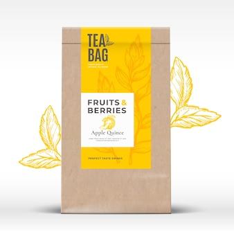 Sacchetto di carta artigianale con etichetta di tè di frutta e bacche layout di progettazione di imballaggi vettoriali astratti con realis ...