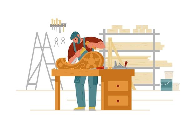 Carpentiere artigiano nell'intaglio complessivo del legno nel carattere artigiano interno dell'officina
