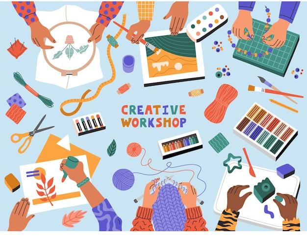 Laboratorio di arte creativa, bambini che tagliano carta, disegno, lavoro a maglia, ricamo, vista dall'alto. banner modello per classi educative per bambini. illustrazione disegnata a mano in stile piatto moderno cartone animato.