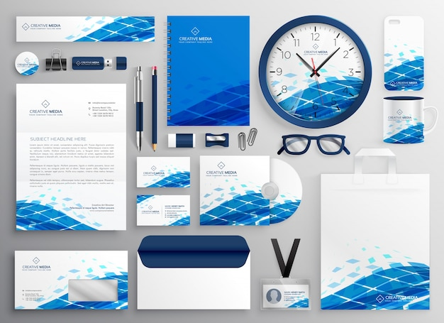 Progettazione creativa della cancelleria di affari nella forma astratta blu