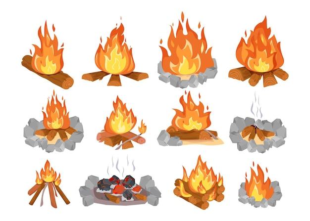 Insieme piano dell'illustrazione del fuoco di accampamento di legno colorato creativo