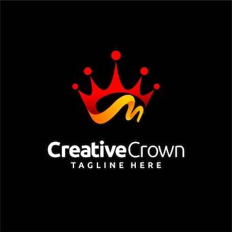 Concetto di lettera m logo design corona creativa
