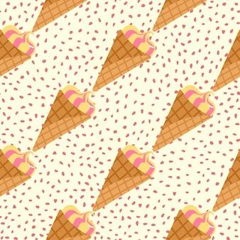 Modello senza cuciture creativo con gelato. panna congelata in cono di cialda su sfondo bianco con puntini.