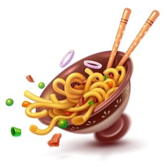 Tazza con noodles asiatici e verdure