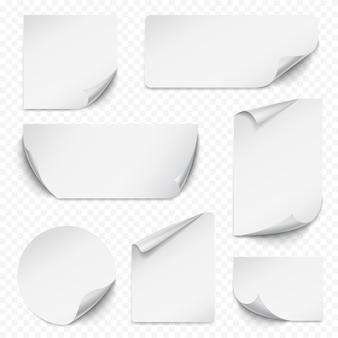 Adesivo arricciato. carta rettangolare etiqueta vuota con angoli curvi etichette vuote vettore di raccolta realistica. illustrazione rettangolare, etichetta adesiva, nota di carta realistica