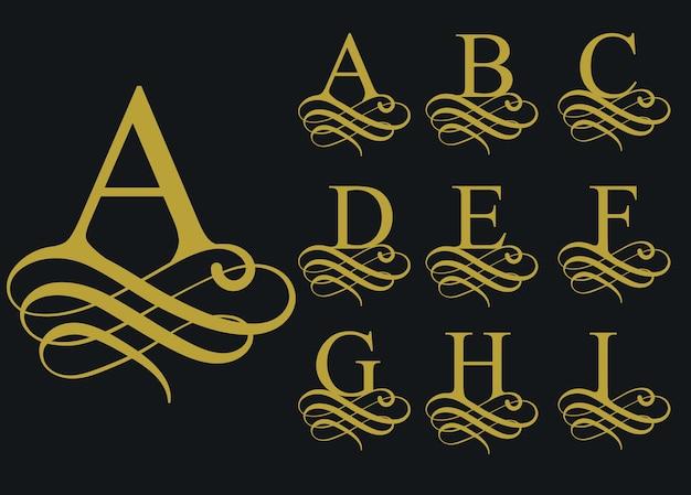 Carattere calligrafico riccio, alfabeto decorativo vintage, forma di lettera artistica.