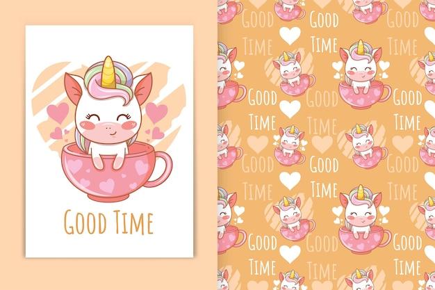 Unicorno bambino carino con illustrazione di cartone animato tazza da tè e set di modelli senza cuciture