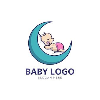 Bambino carino con design del logo della luna