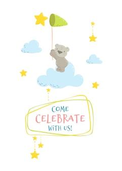 Simpatico orso sulla nuvola che cattura una stella con una rete.
