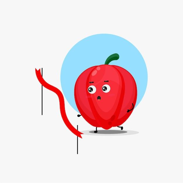 Simpatico personaggio di peperone in gara in esecuzione